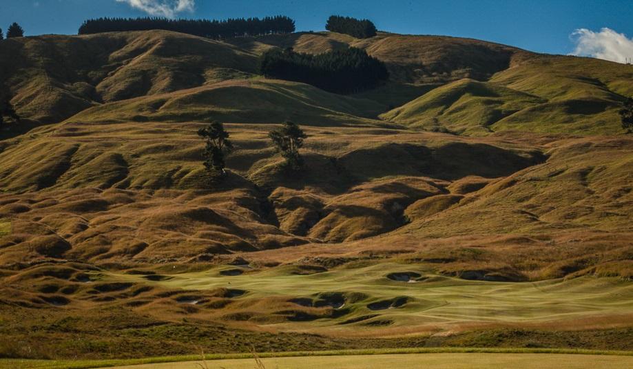 Golf_Getaway_Kinloch_Golf_Club_5th_Hole_New_Zealand